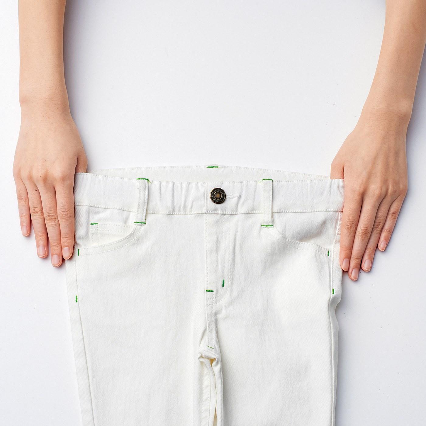 ウエストゴムもよく伸びるから、着替えやトイレもらくらく。