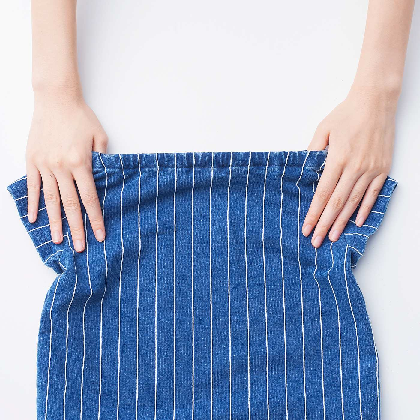 衿ぐりはゴム仕上げで、ひとりお着替えをサポート!