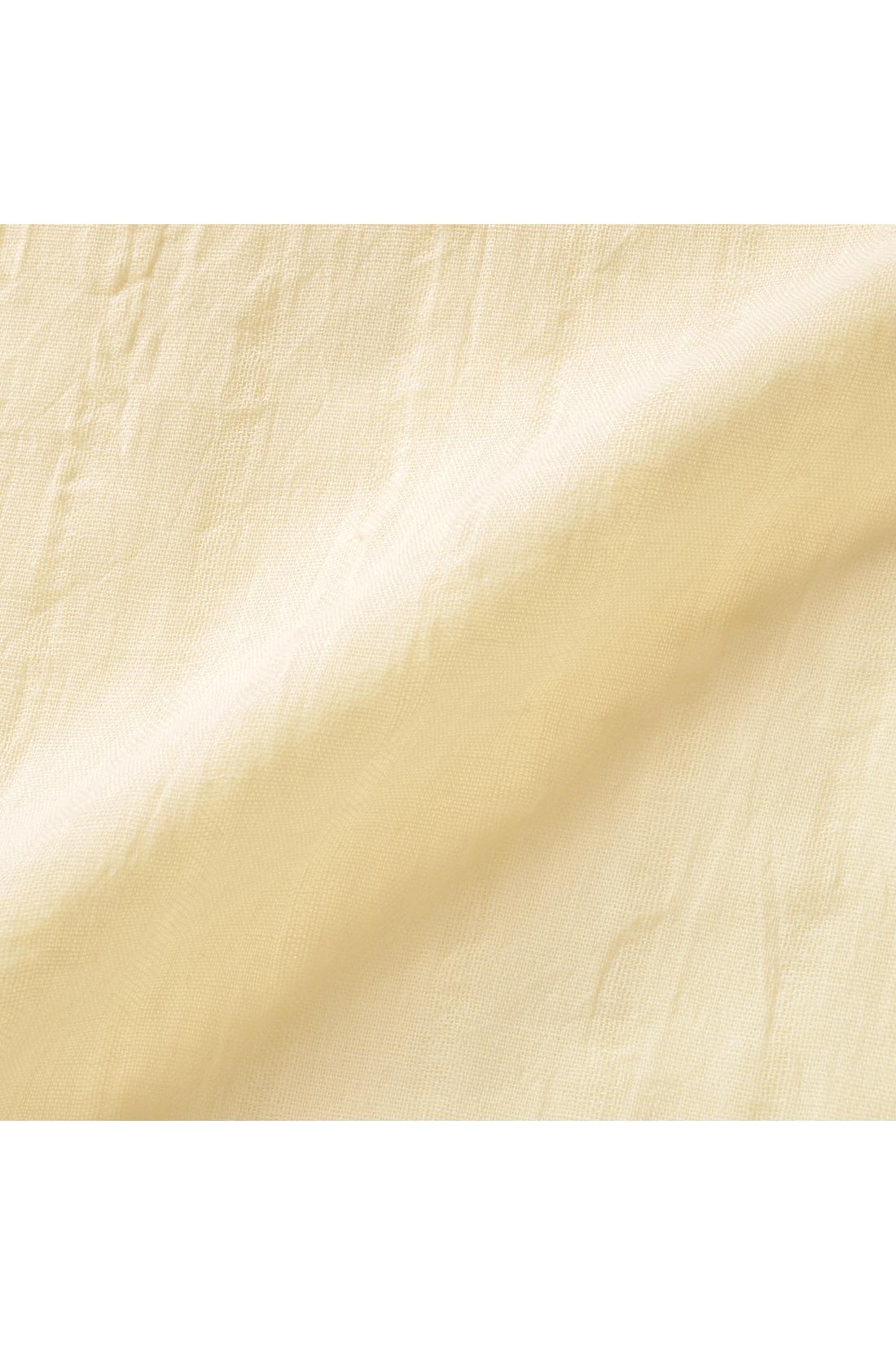 薄手で肌当たり軽やかな綿100%素材。