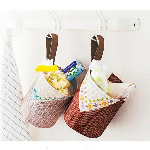 キッチンならレジ袋や小袋の調味料入れにも。