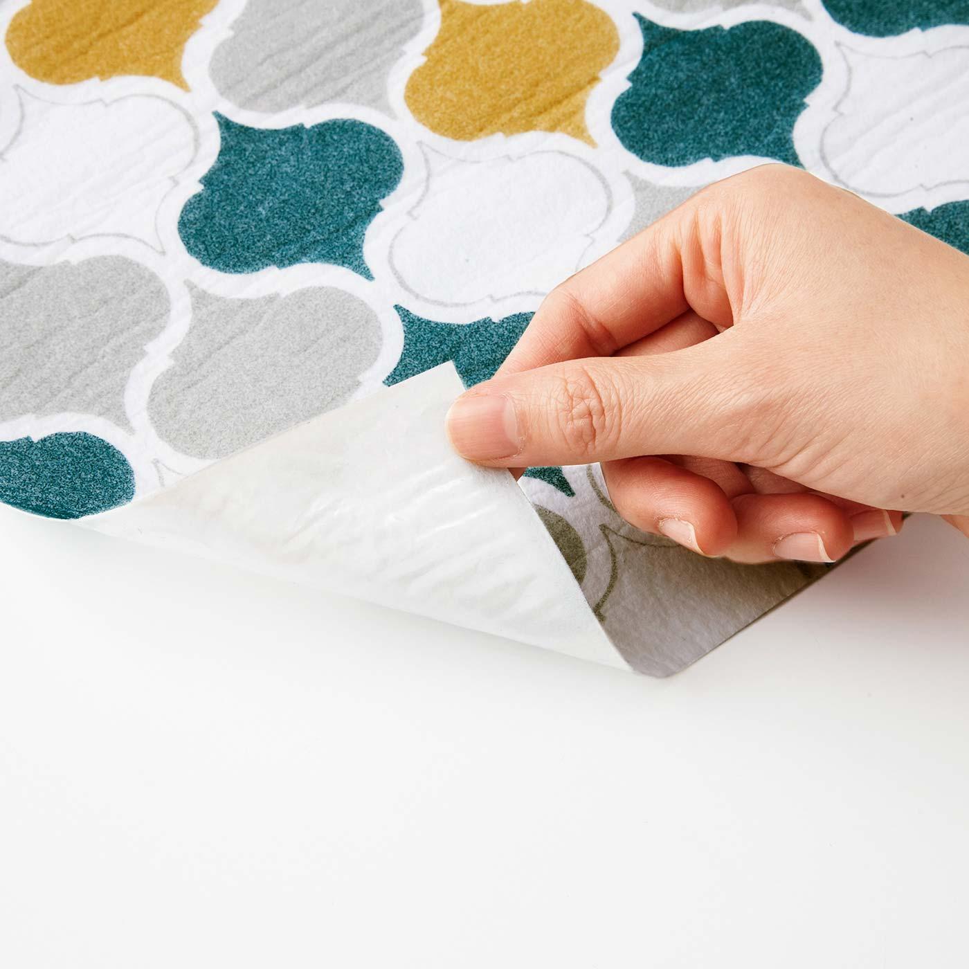 薄手の不織布素材は吸収性も抜群。