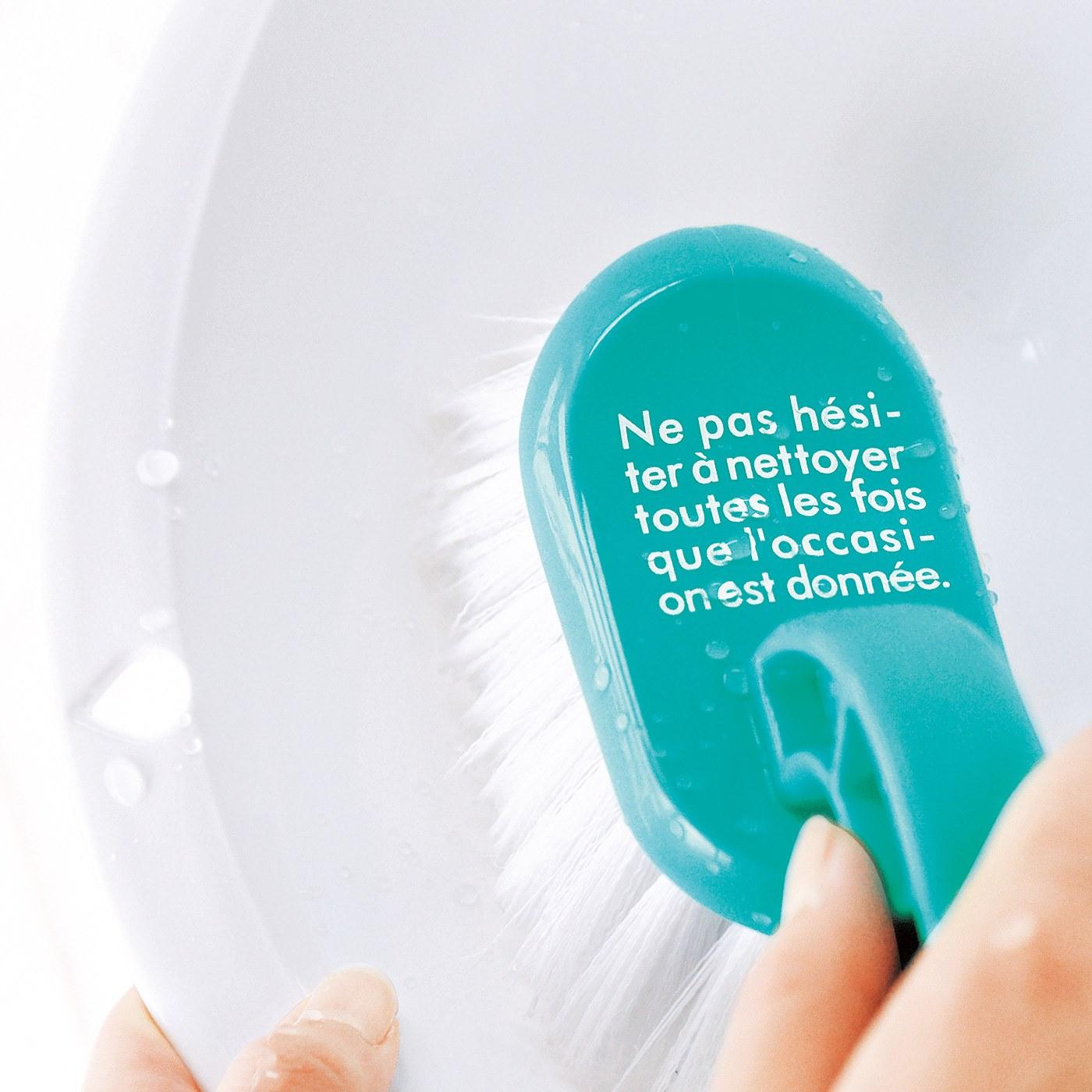 丸みのある洗面器にも。