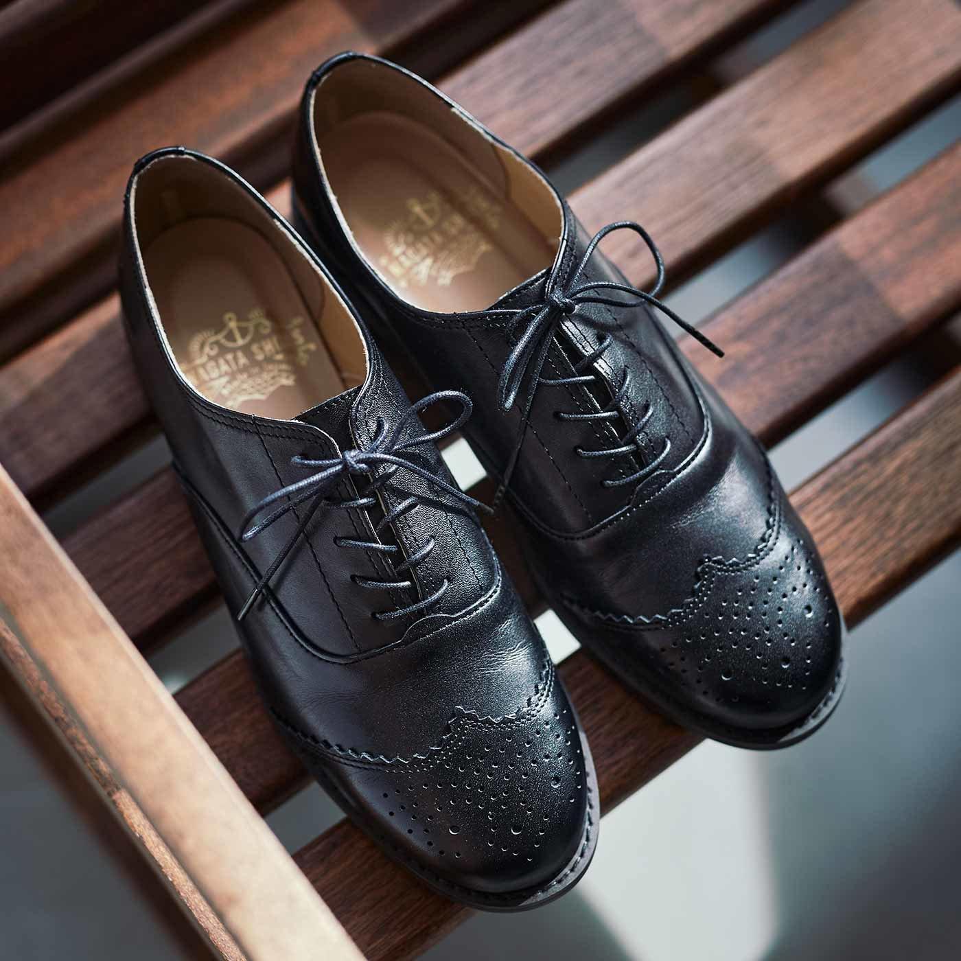 長田靴職人が叶えた 本革ハーフウィングチップ〈ノアール〉[本革 靴:日本製]