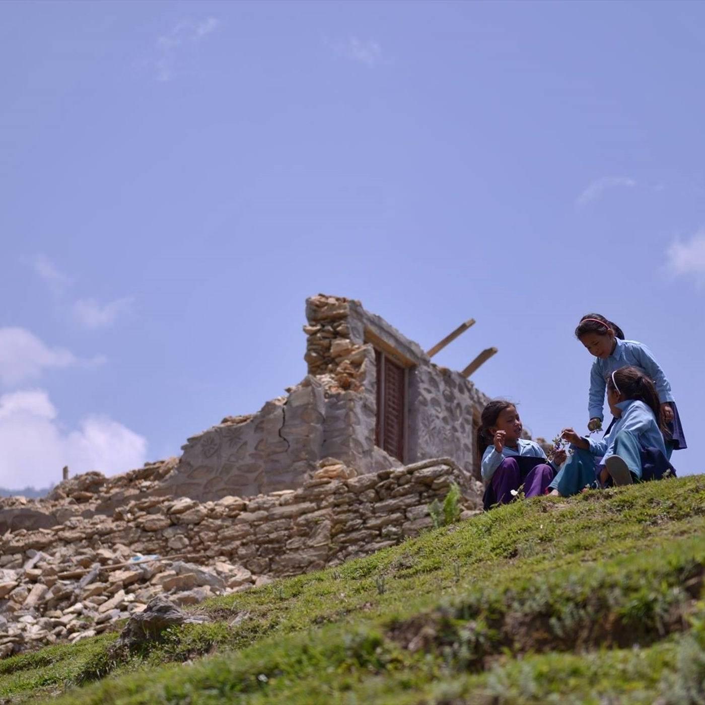 (C)SVA 震災により被災したヌワコット群バルチェ村の学校