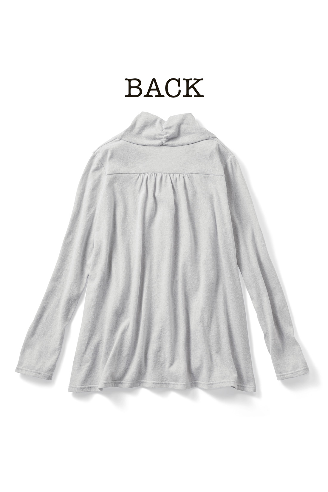 BACK 後ろ背ヨーク+ギャザーが背中のぷよ肉も隠して、後ろ姿すっきり。