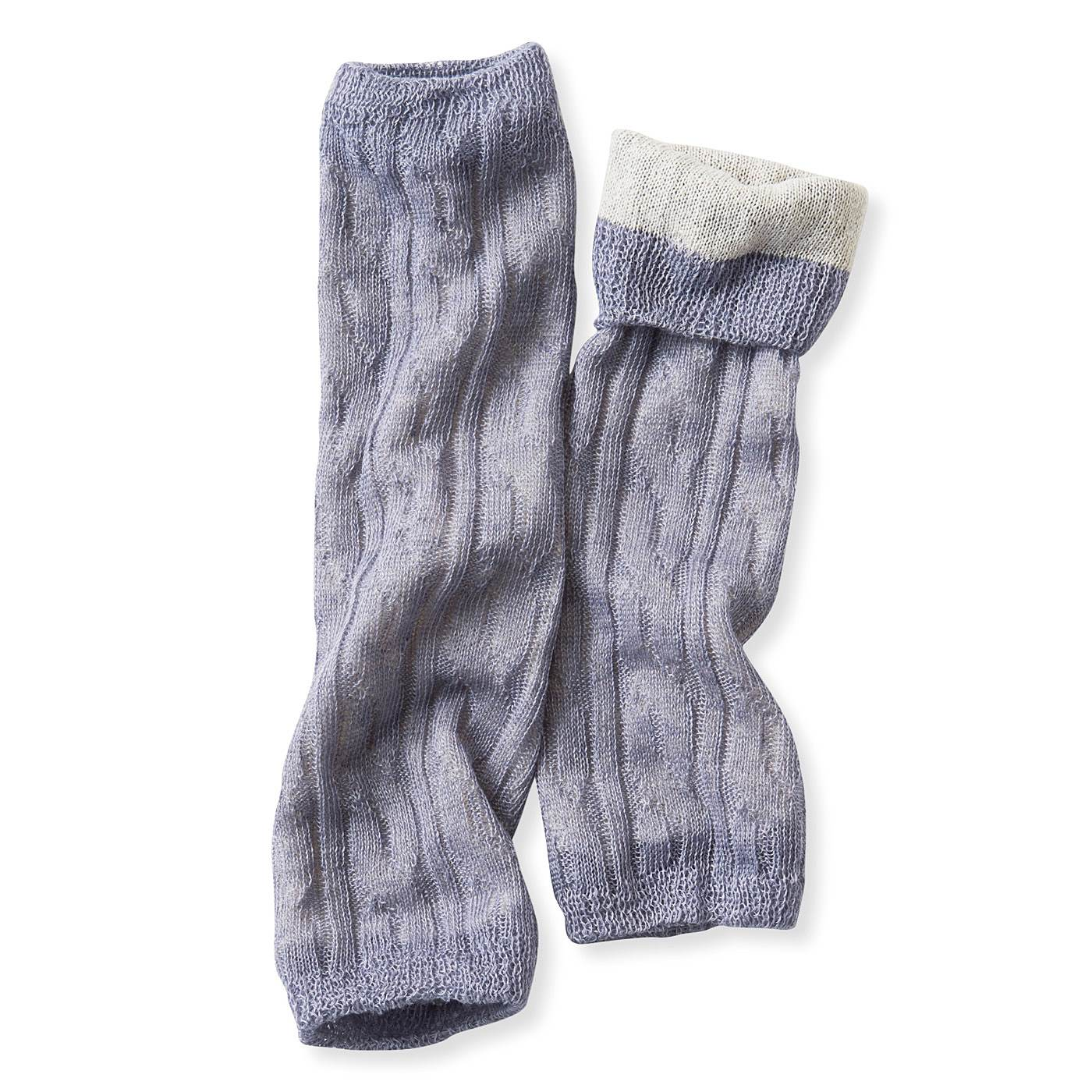 すべての糸に天然素材を使用して編み立てました。通気性はありながらもふんわり暖かいのがうれしい。