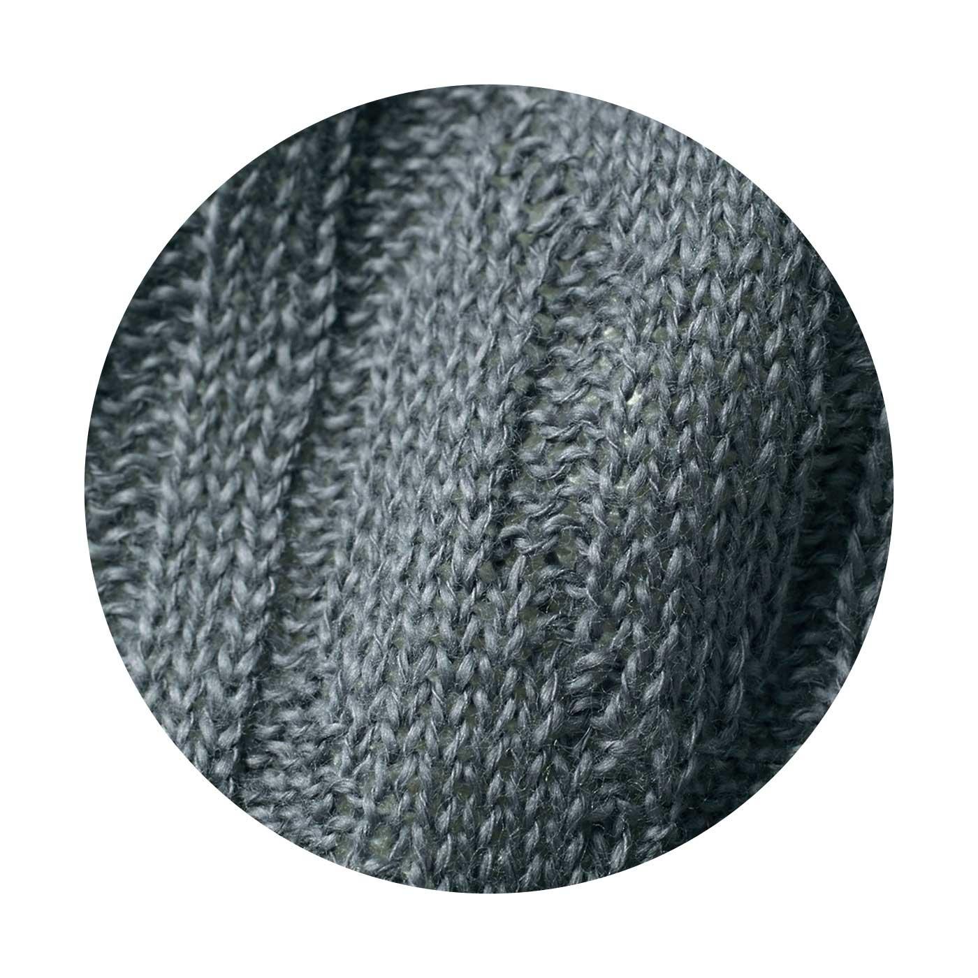 (9~3月:表側 綿100%)空気を通しやすいざっくりした編み地で、快適な着け心地。