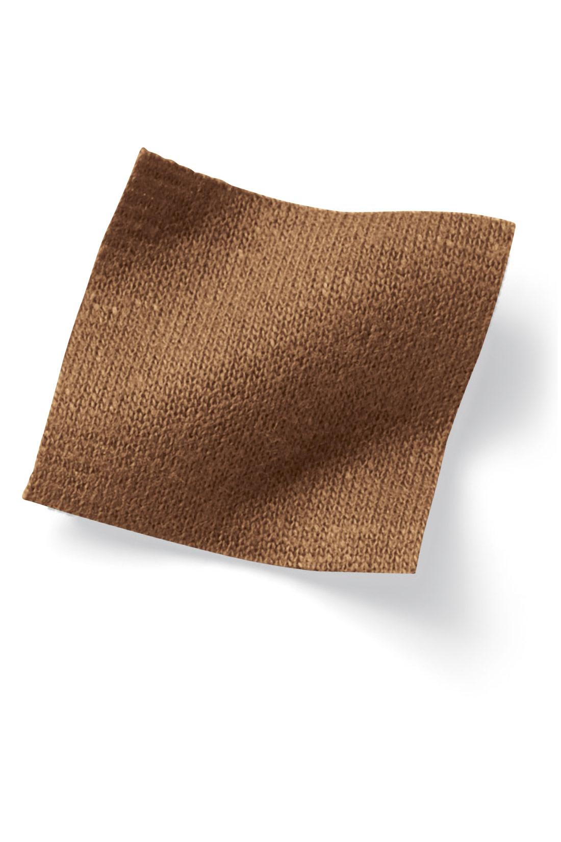 コーデの幅が広がるバリエ豊かな素材がラインナップ。