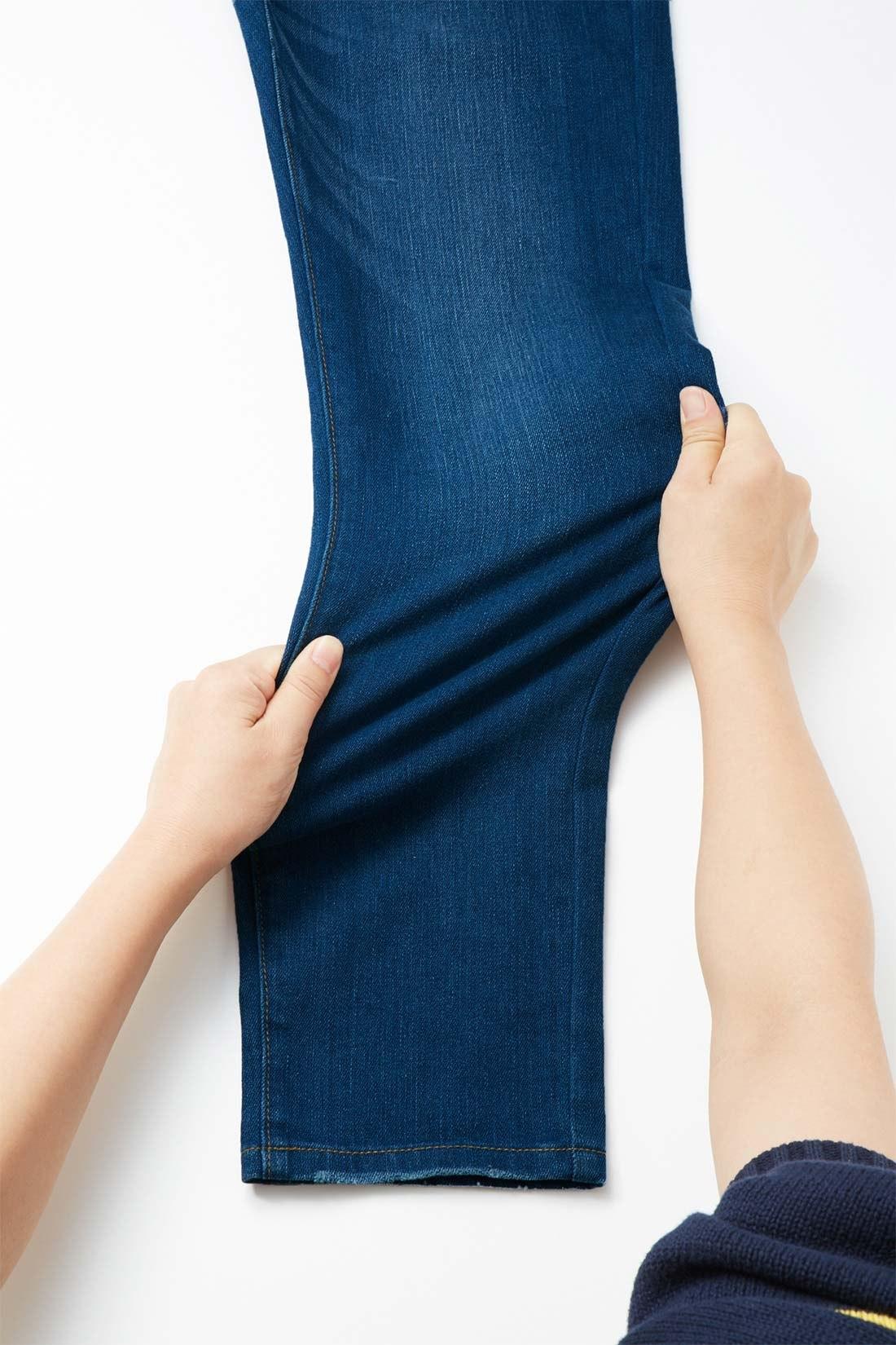 ストレッチ性抜群の素材で、アクティブに動ける伸びやかさ! 美脚ラインはそのままに、らくちんストレスフリーなはき心地を実現しています。 ※お届けするカラーとは異なります。