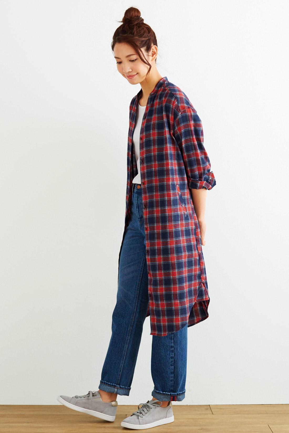 Tシャツの上にはおって、寒くなる前のコート代わりにも。