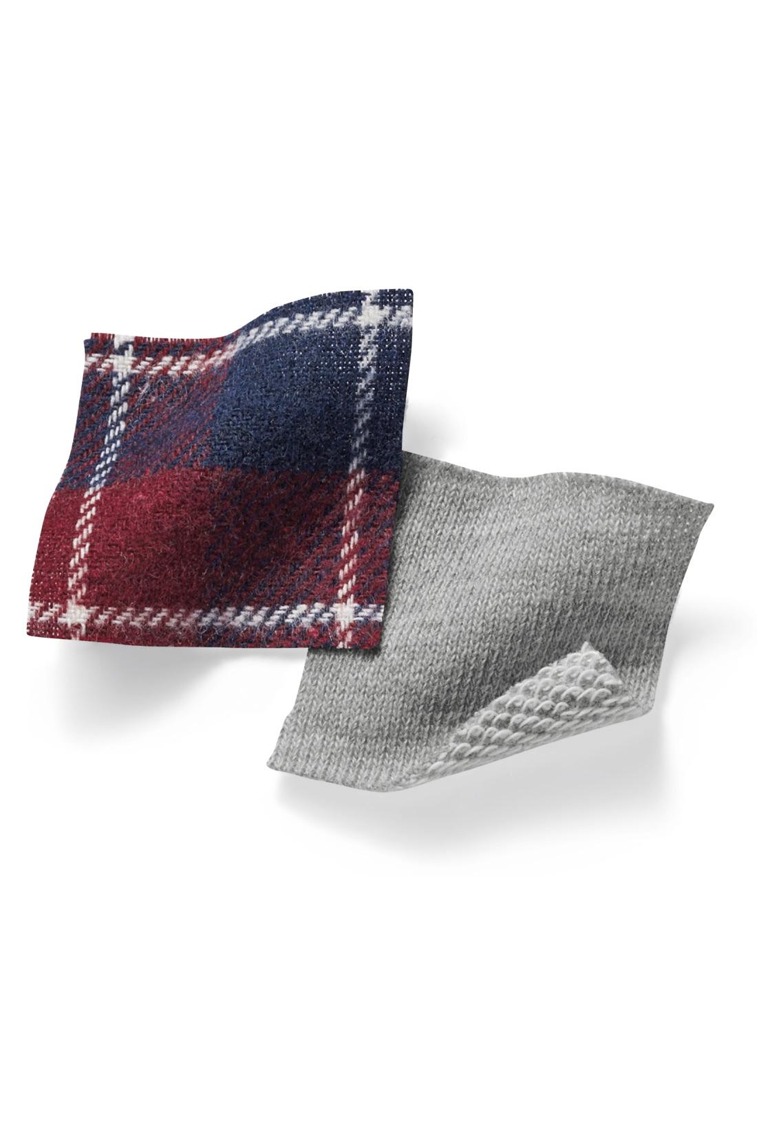 パーカー部分は、伸びやかなミニ裏毛素材。シャツ部分は布はくの先染めネル素材。