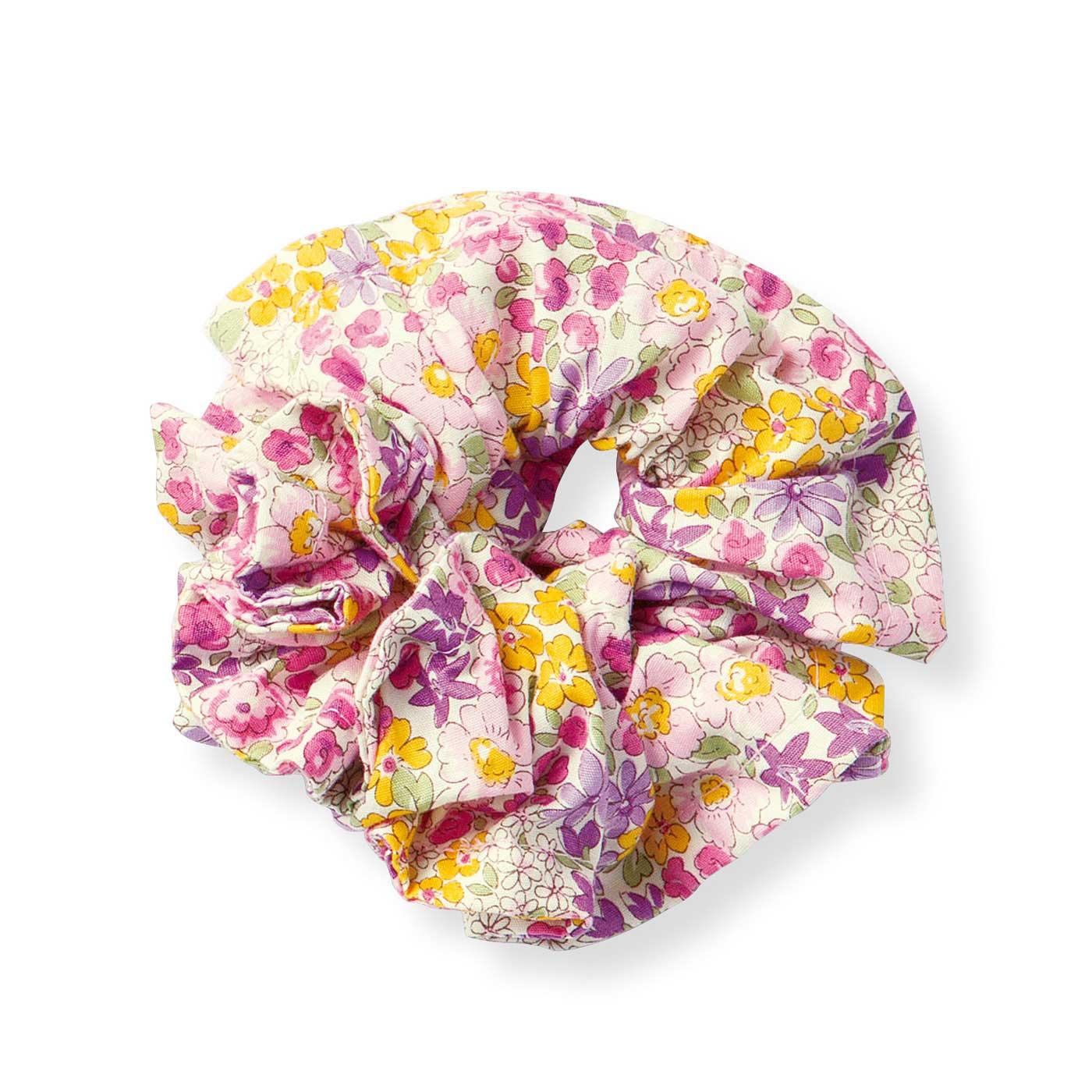 色とりどりのかわいい花柄デザイン。
