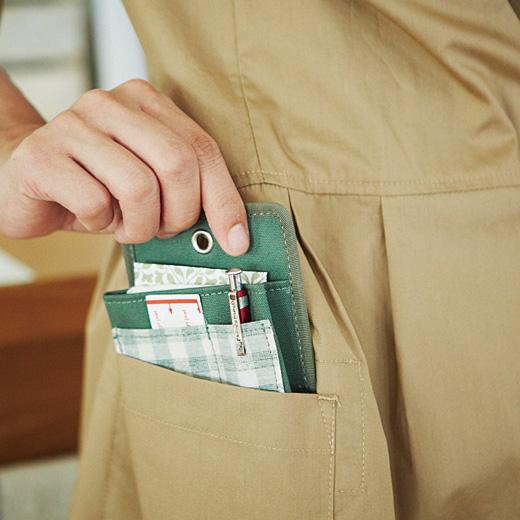 さっと取り出しOK。これでポケットの中でごちゃつく心配がありません。