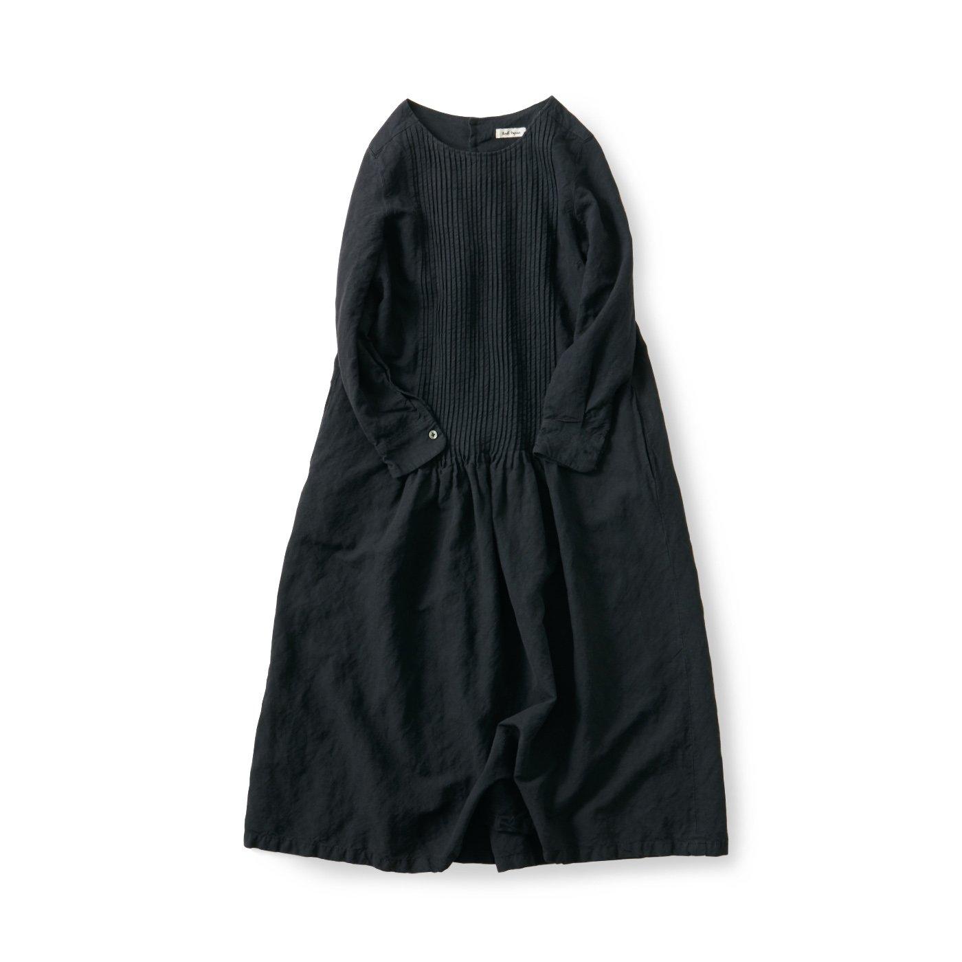 and myera タックをしっかり入れたドレス〈黒〉