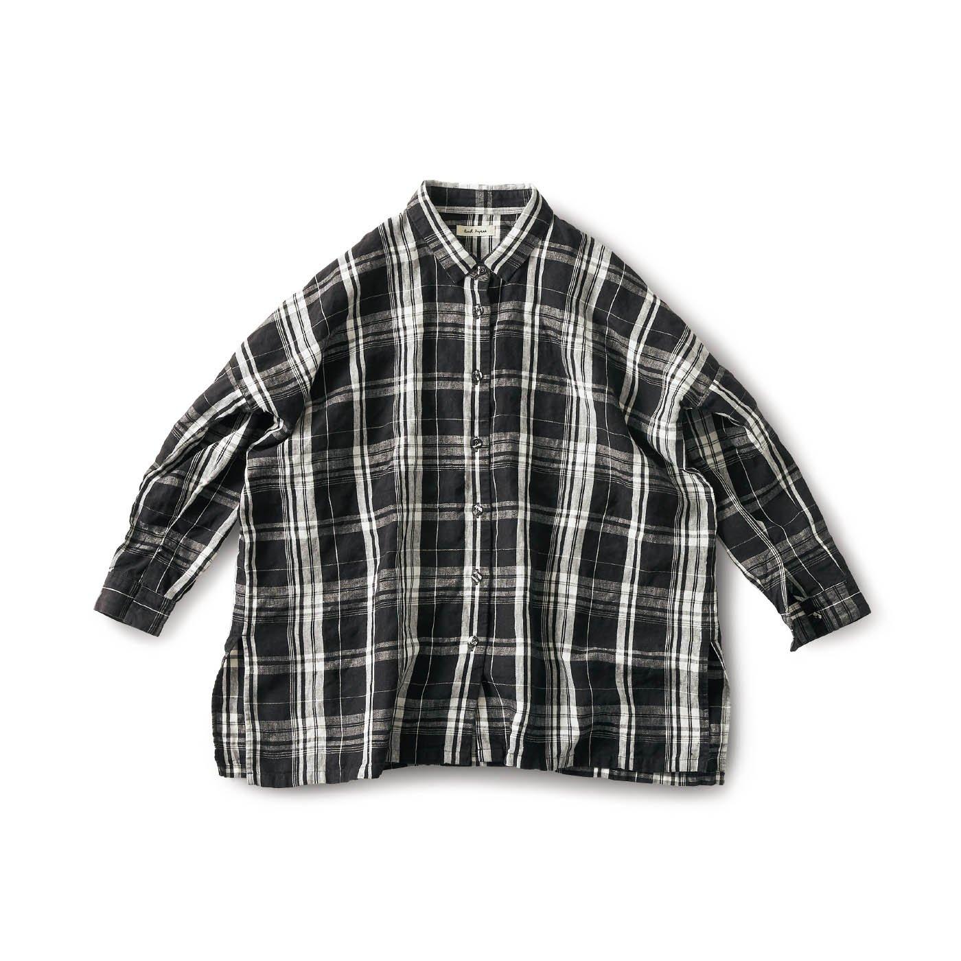 and myera テーブルクロスで作ったマントシャツ