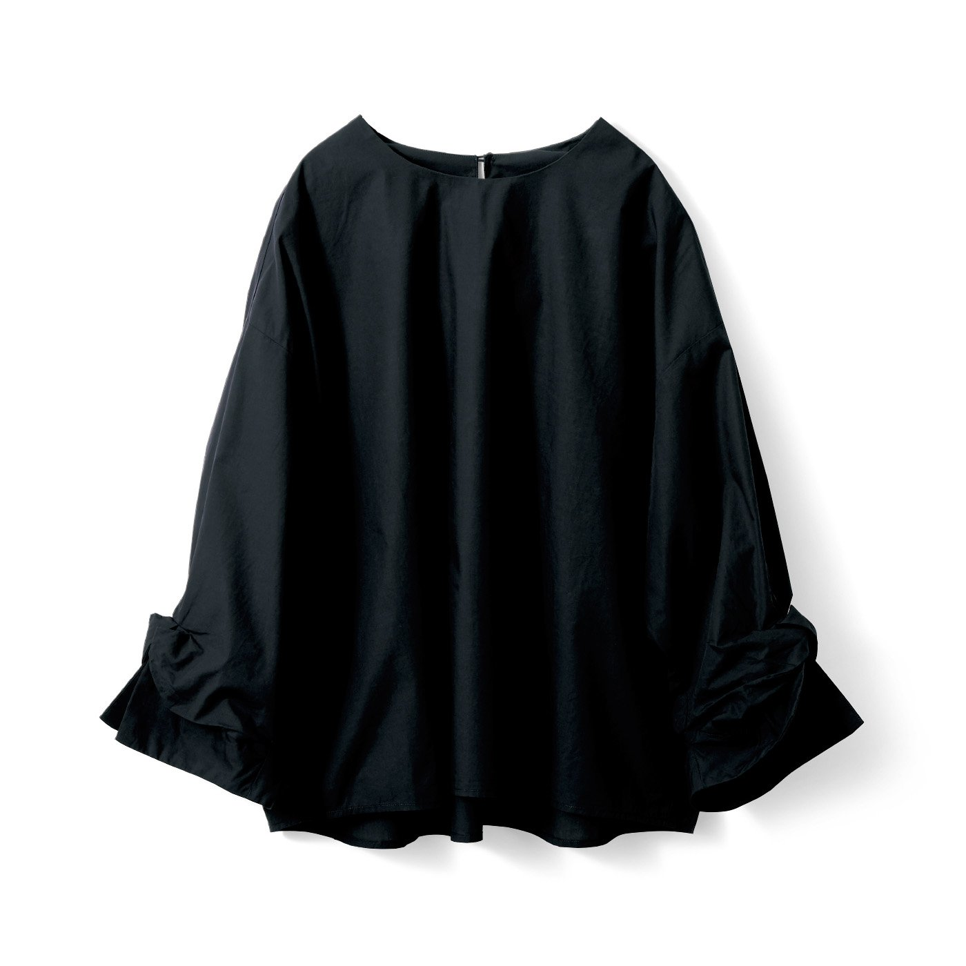 アヴェクモワ ねじり袖ブラウス〈黒〉