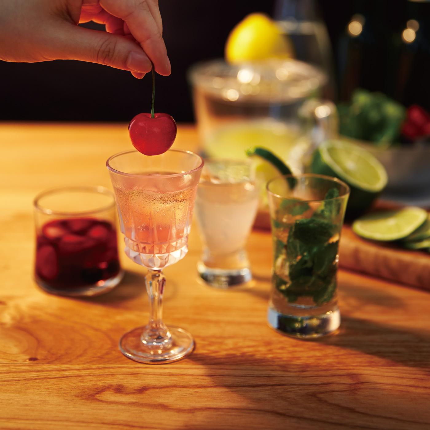 お酒となかよくなるプログラムをみんなで楽しむミニグラス