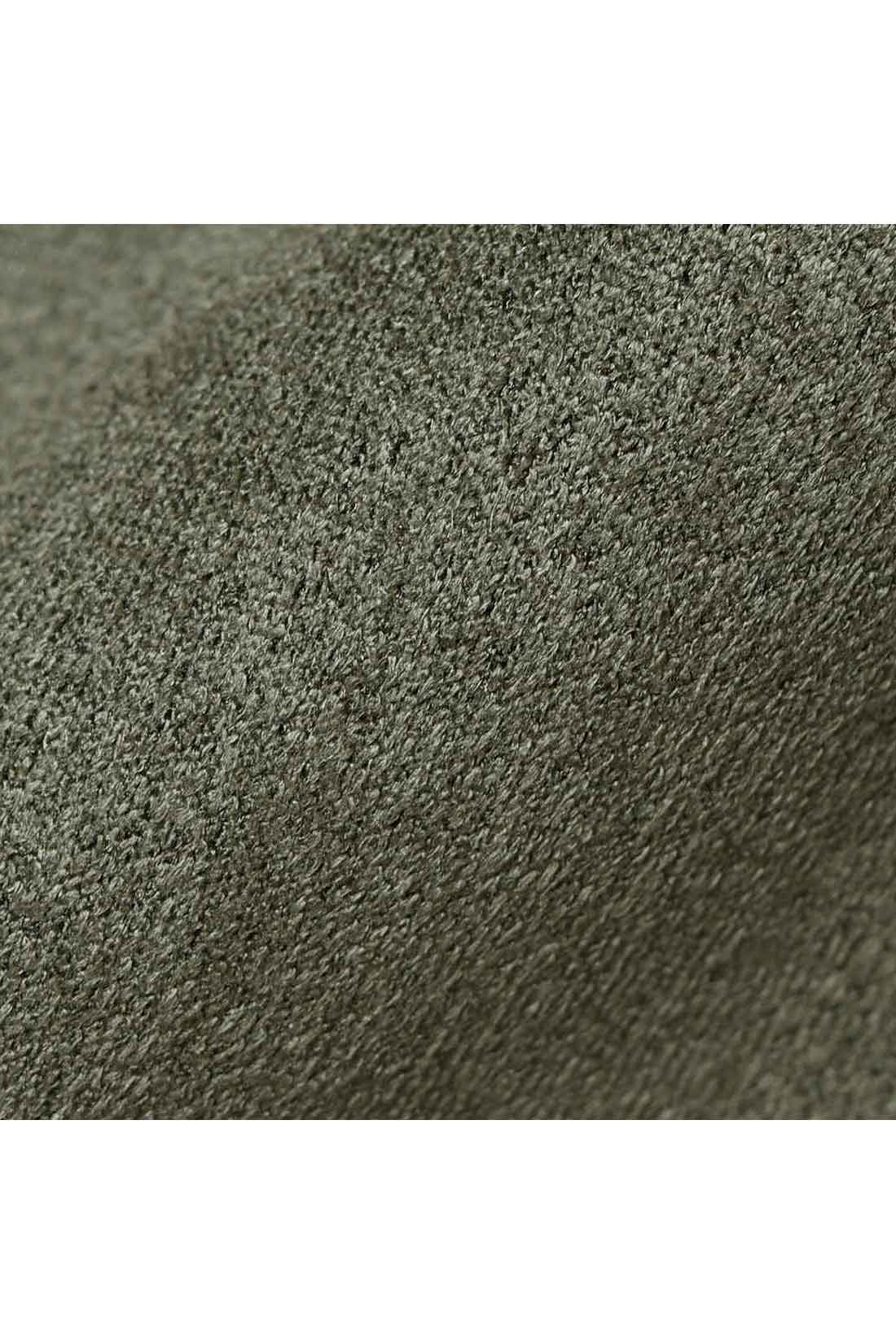 リッチな素材感のスエード調カットソー素材。