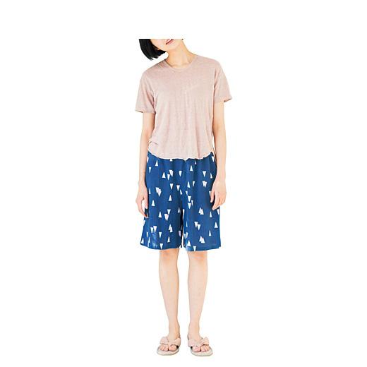 上下違う色柄でコーディネイトやお手持ちのTシャツに合わせてもかわいい。