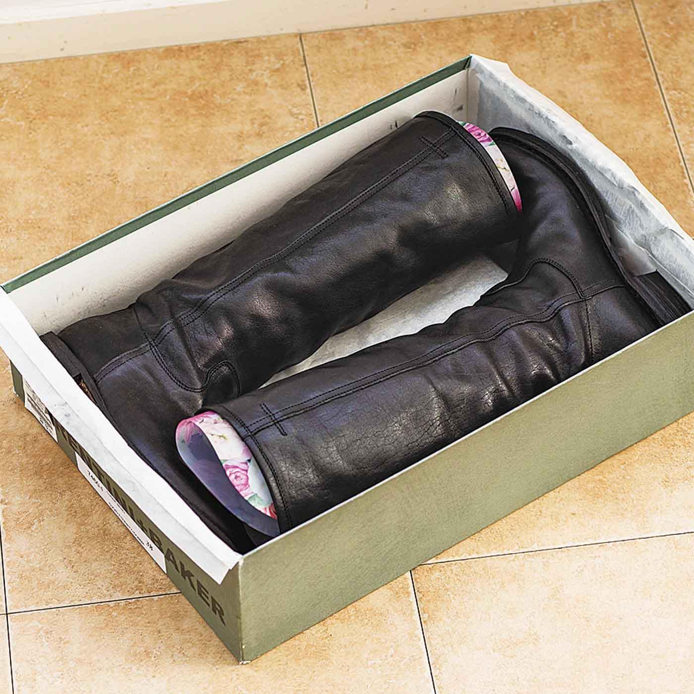 オフシーズンはブーツに入れたまま保管して、形状キープ。