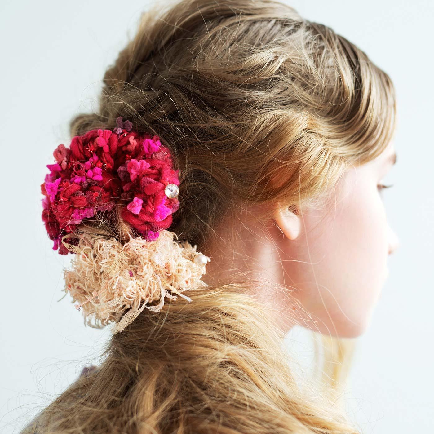 花の色をイメージして アヴリルの糸で作る指編みシュシュの会