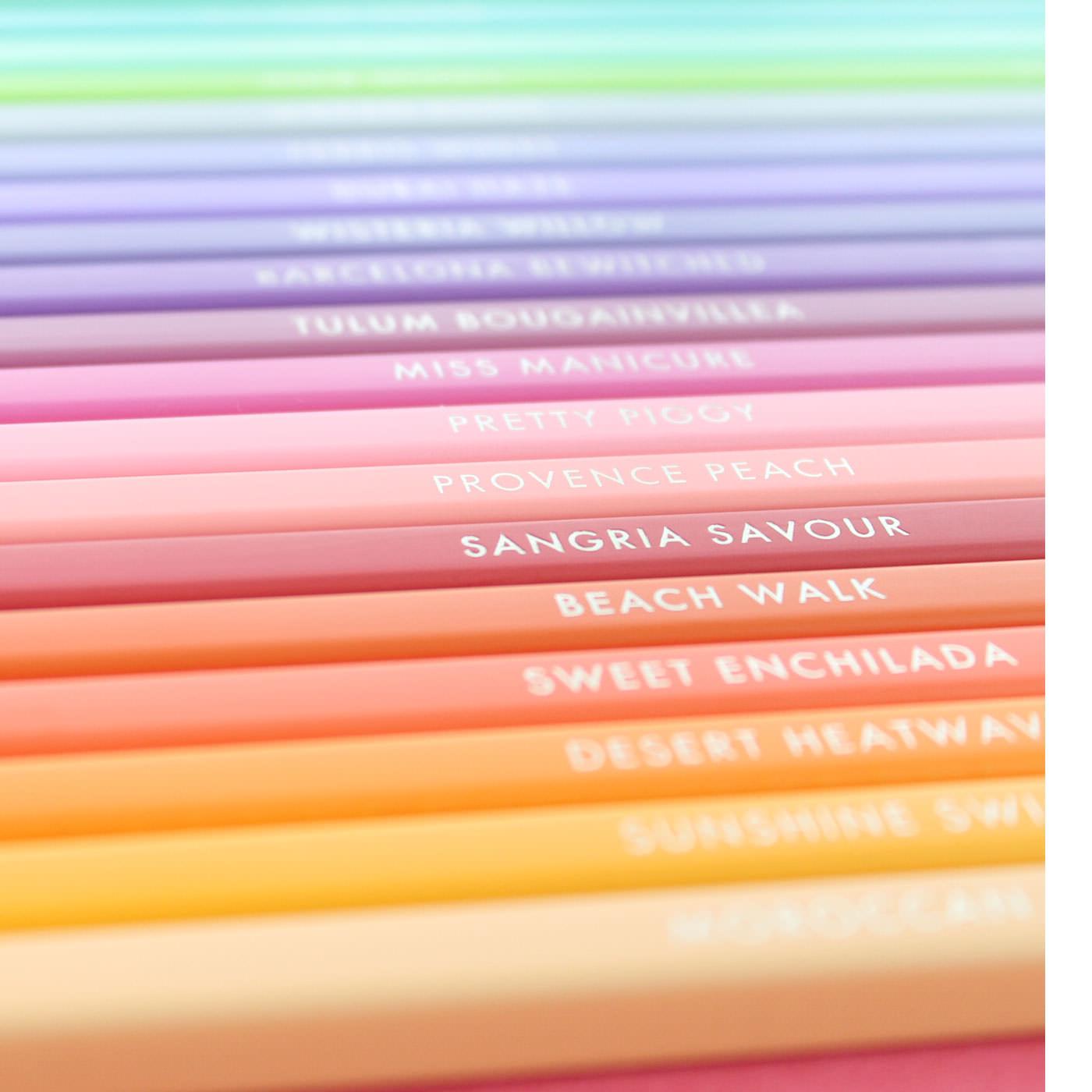毎月届く20色は、ひとつのテーマをもとに500色の中からセレクト。25ヵ月で完成します。例えば「FUN」「HOME」「TROPICAL」「SPRING」「LOVE」など、テーマに合わせたさまざまな色との出会いを楽しみながら集めていくことができます。