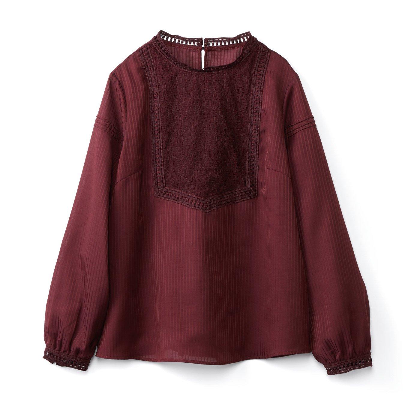 IEDIT[イディット] ストライプの織り柄素材のアンティーク風レース遣いブラウス〈ボルドーレッド〉