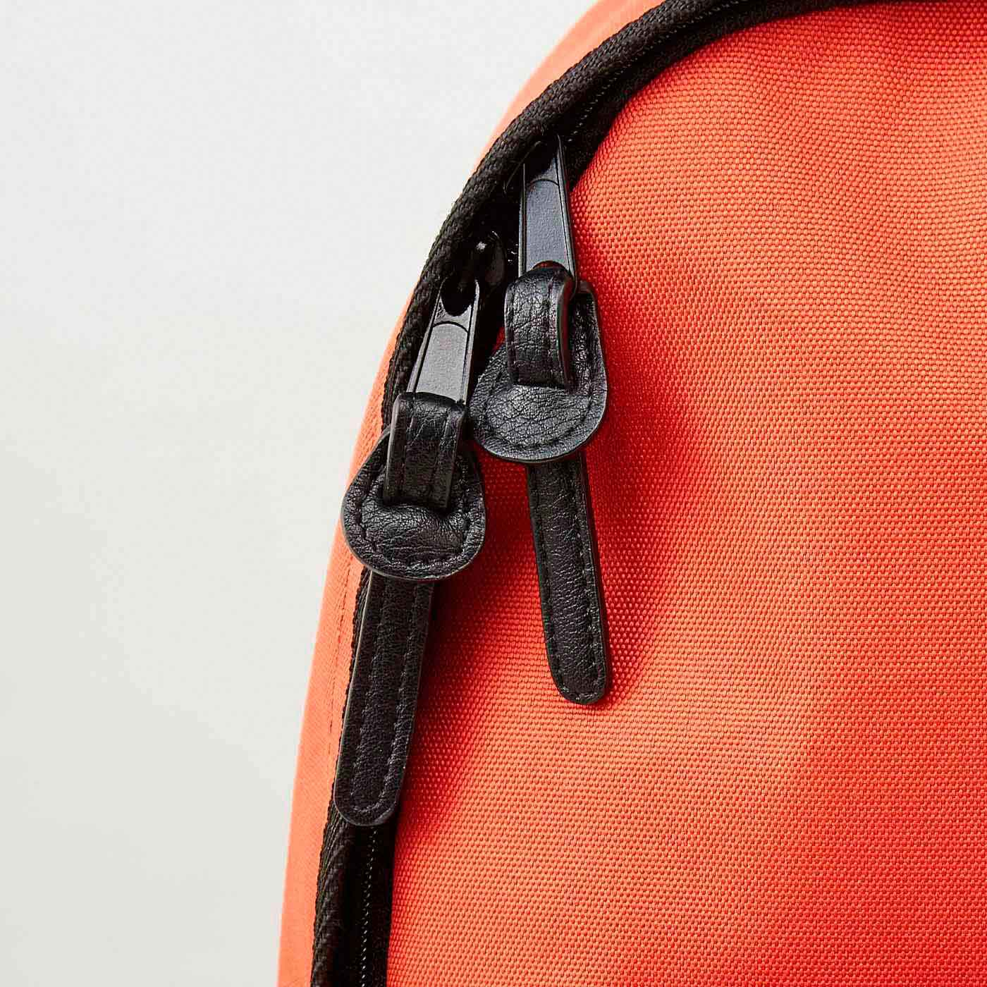 合成皮革のスライダー。