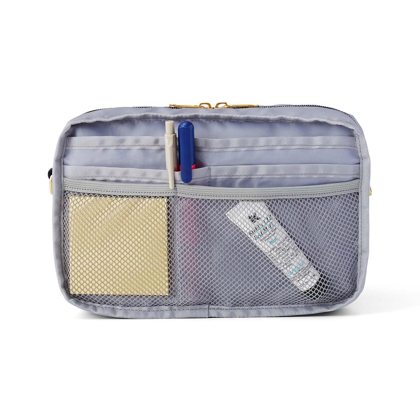 [バッグインナー]小物を整理しやすい11個のポケット付き。