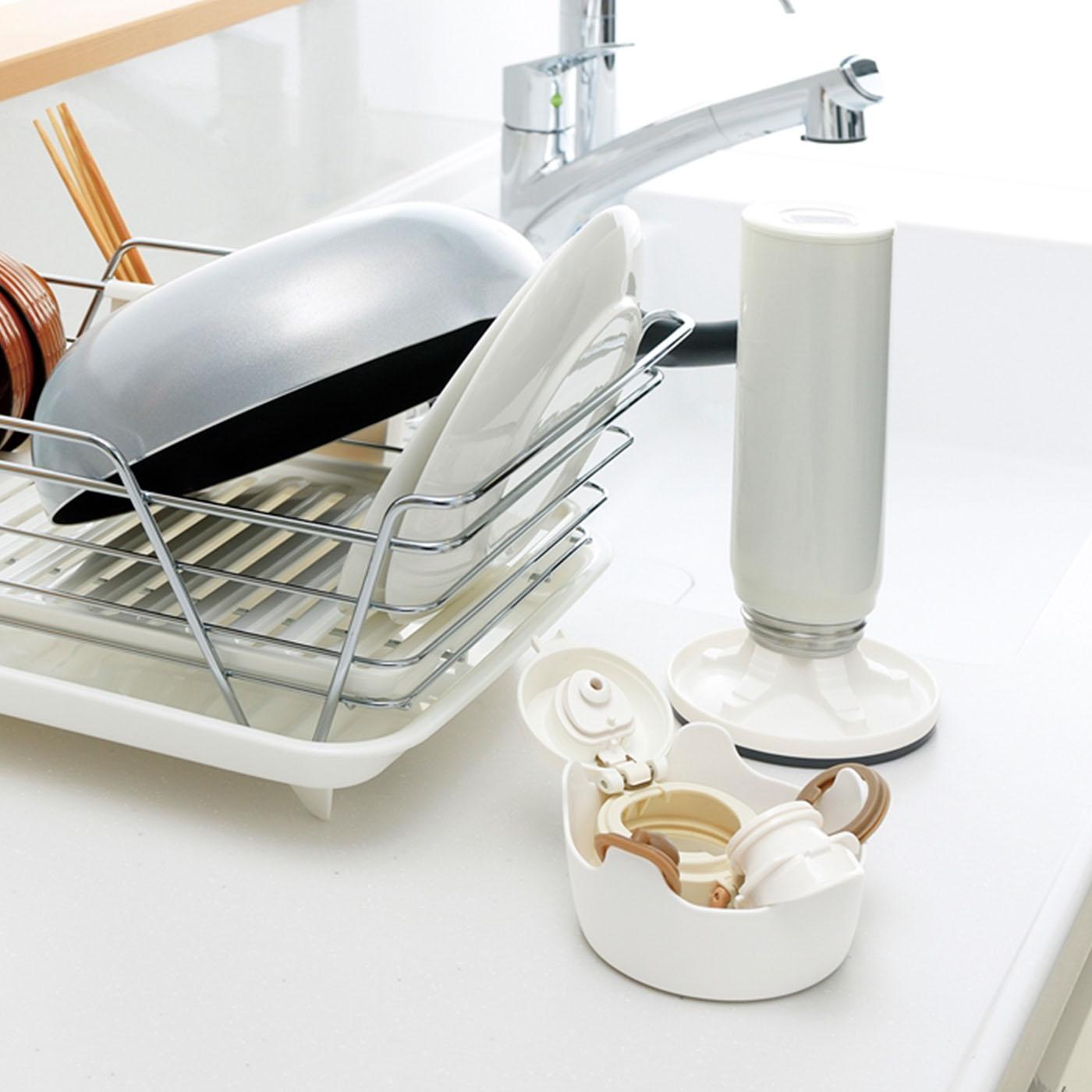 洗い物かごに入れずにすっきり乾かすことができます。