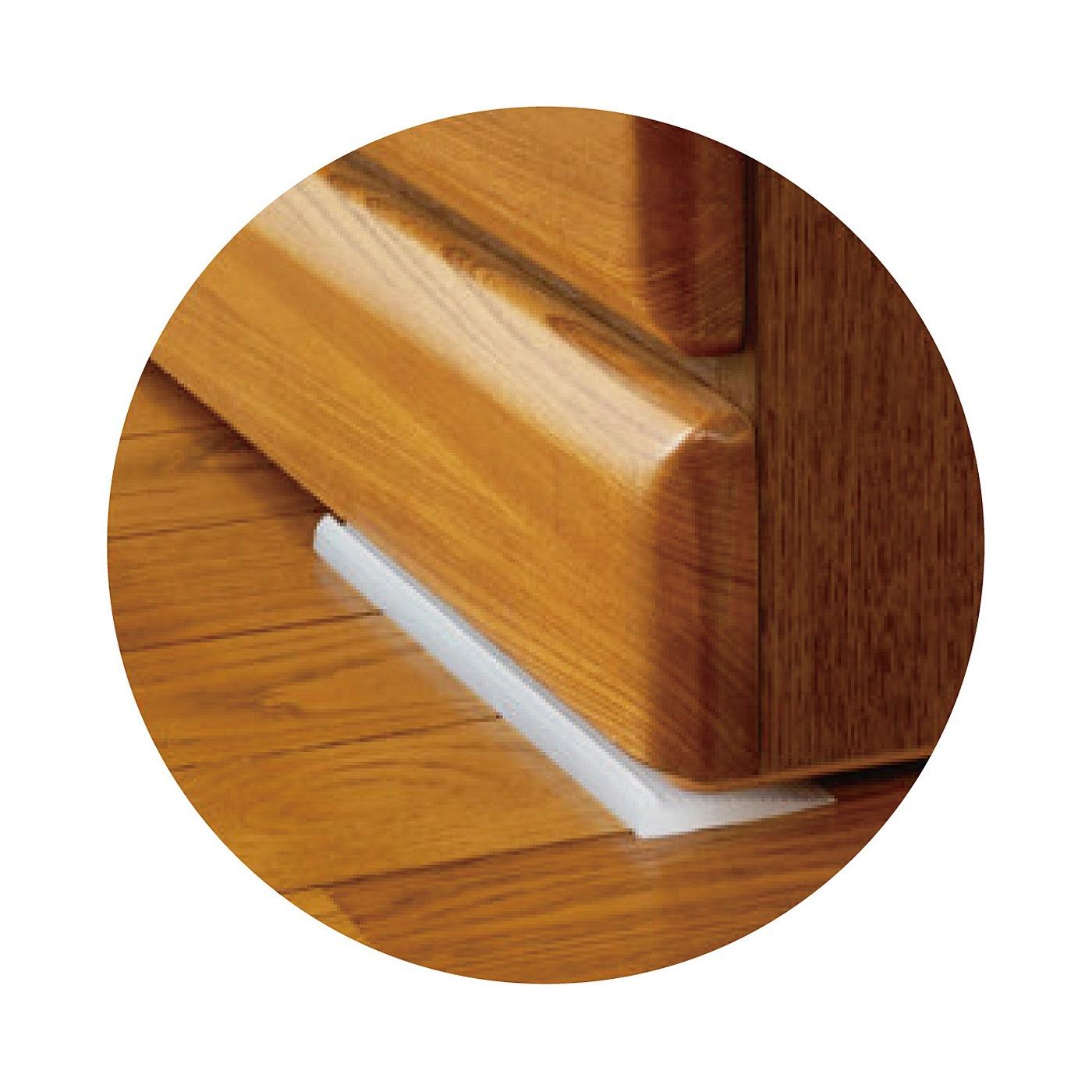 家具の下には、横滑り防止のストッパーを差し込んで!