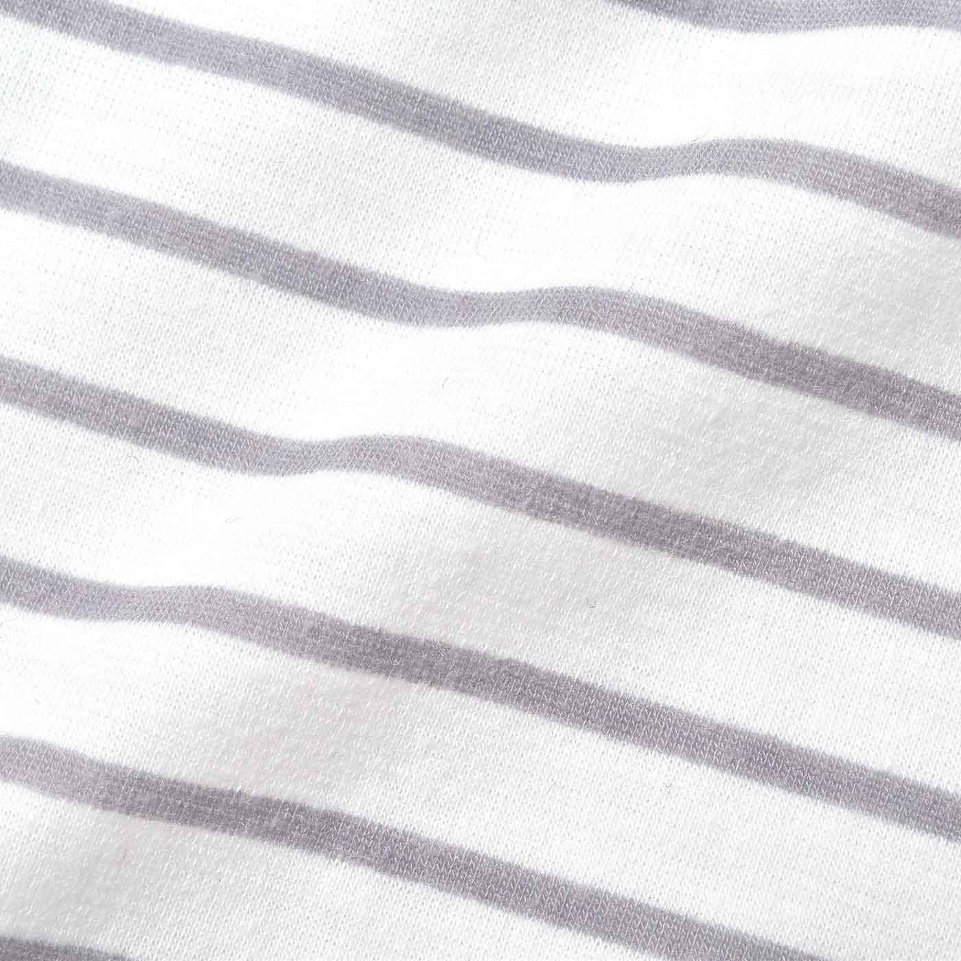 綿ライクな水着素材。インナー部分は吸水速乾で、汗をかいてもさわやか。