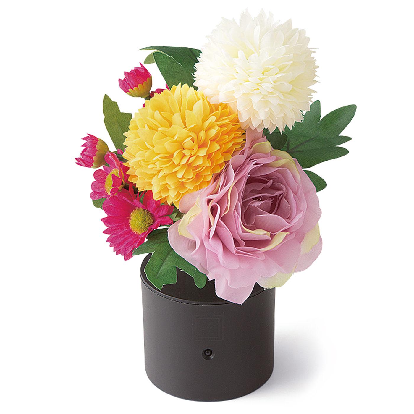 〈モーブ〉 お手入れいらずの精巧なつくりの仏花アレンジメントです。