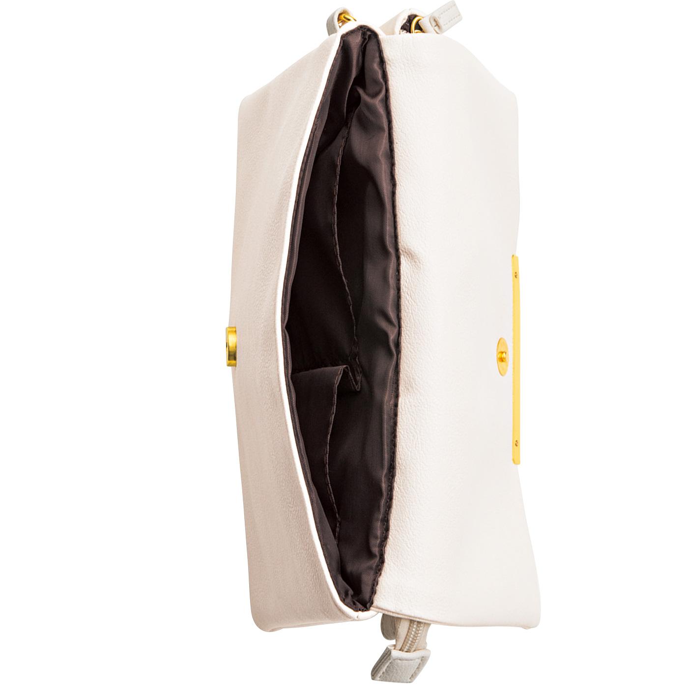 フラップポケット側には内ポケットがひとつ。