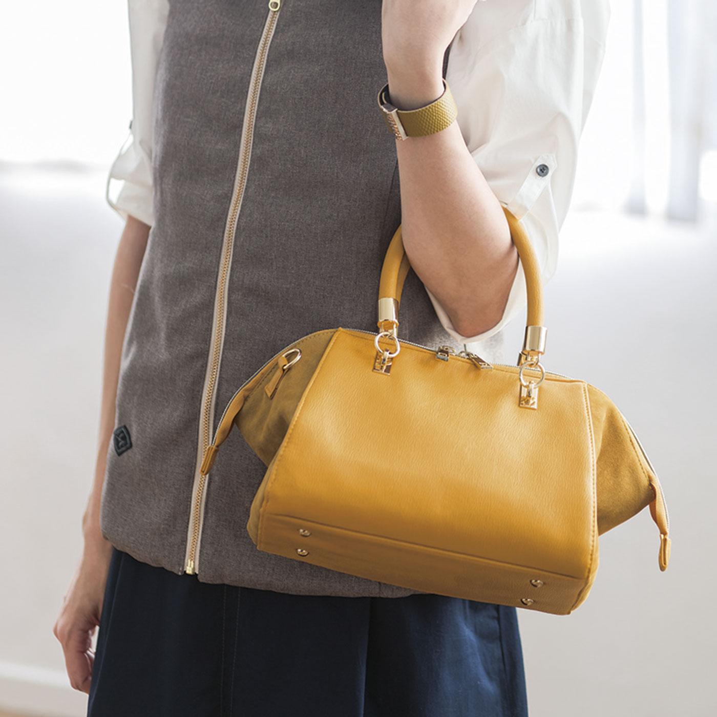 ハンドバッグにしても持ちやすいころんとしたかたち。
