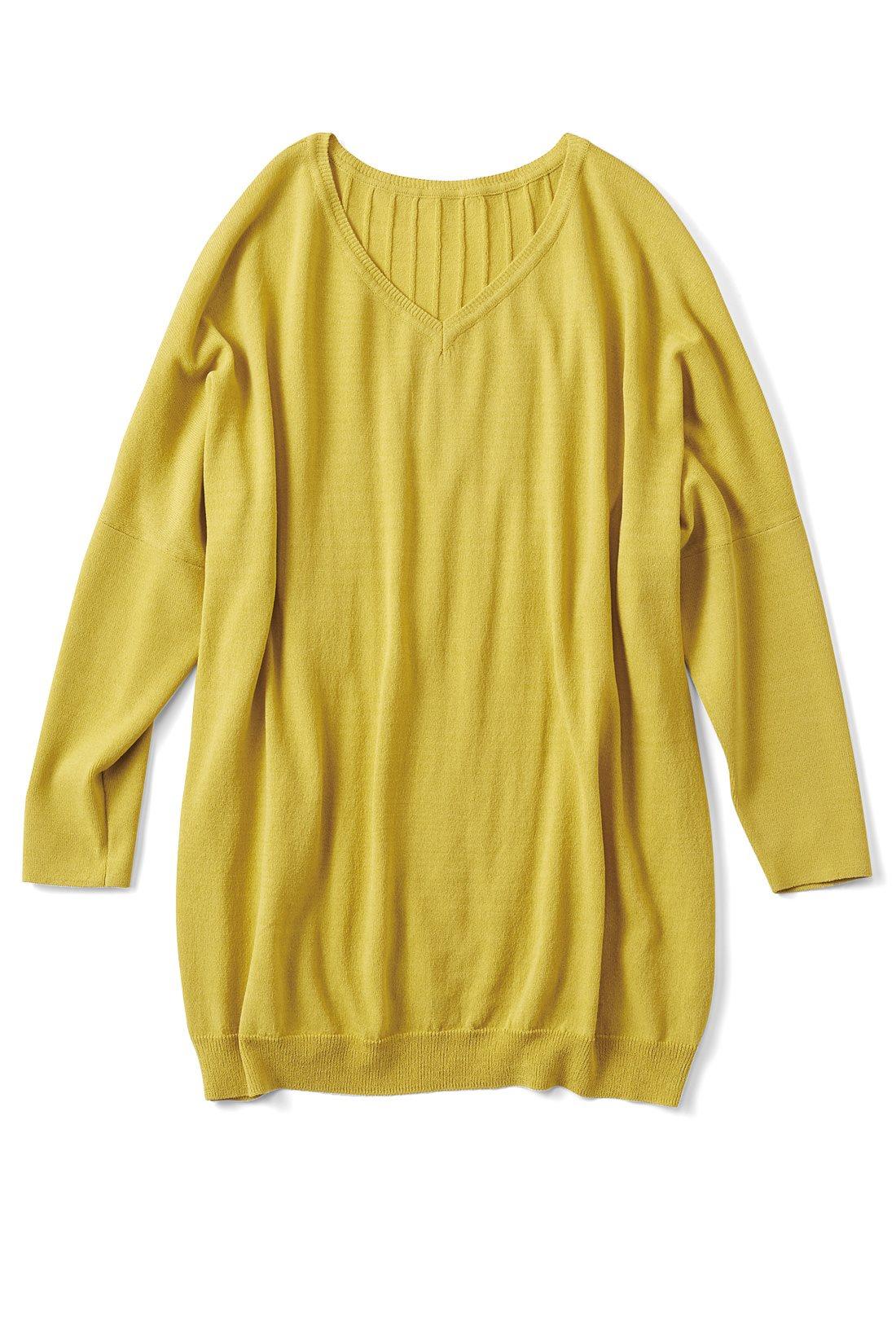 リブ イン コンフォート Tシャツ感覚で着られてきれい見えする さらシャリニットトップス〈ミモザイエロー〉