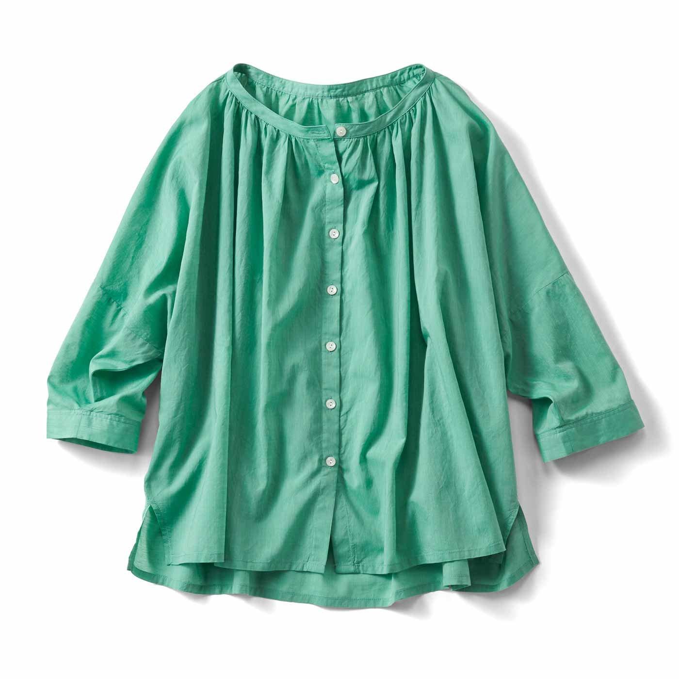 THREE FIFTY STANDARD 着映えするきれい色のブラウス〈グリーン〉