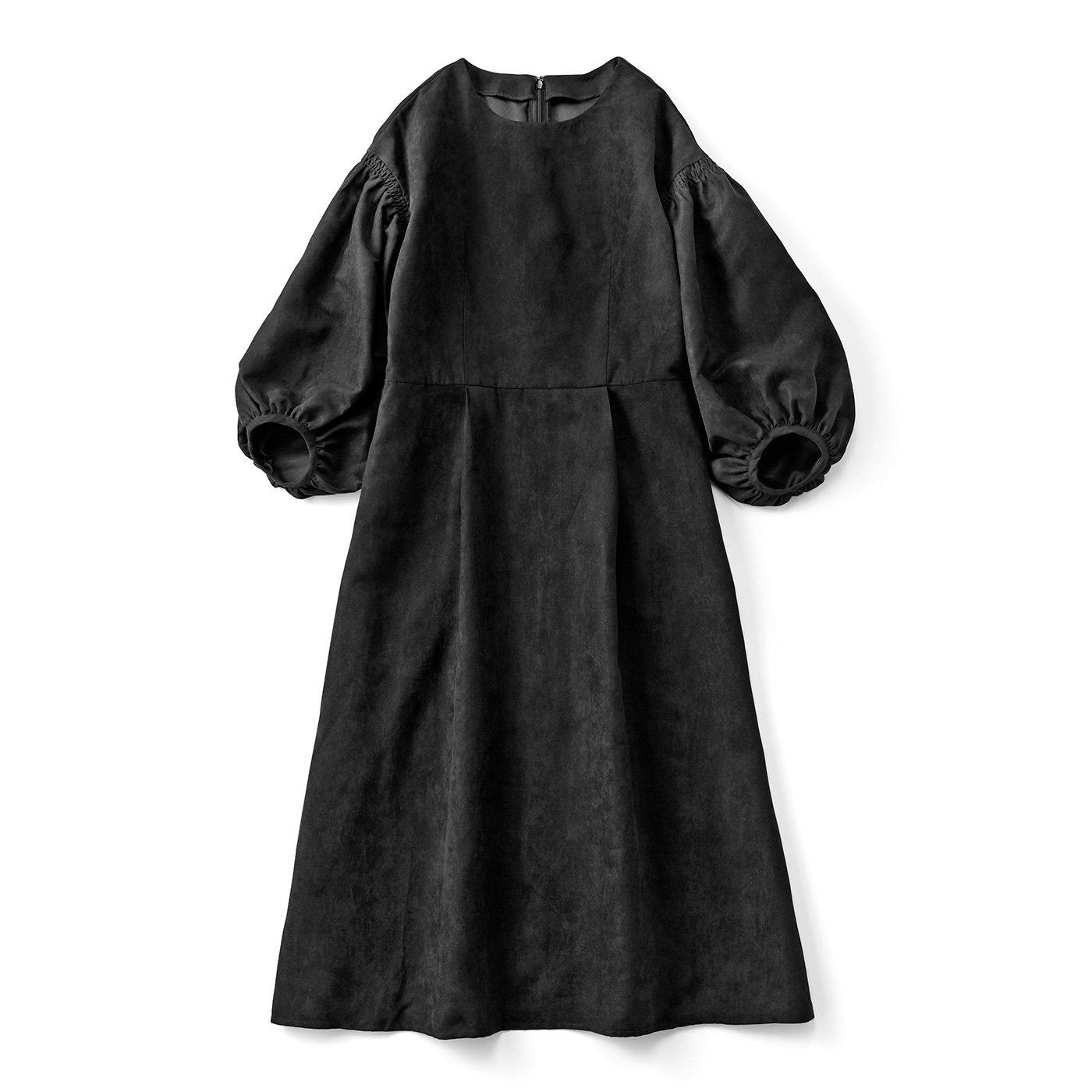 たーーっぷりボリューム袖のブラックドレス