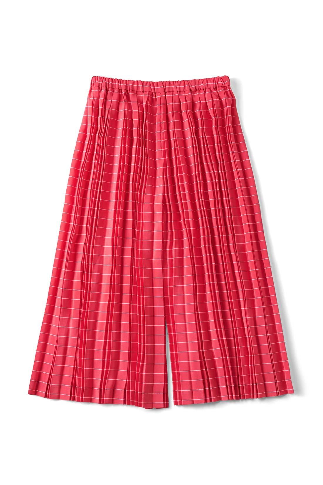 【チェリー】 ストンときれいに落ちる、スカートとパンツの間くらいのシルエット。
