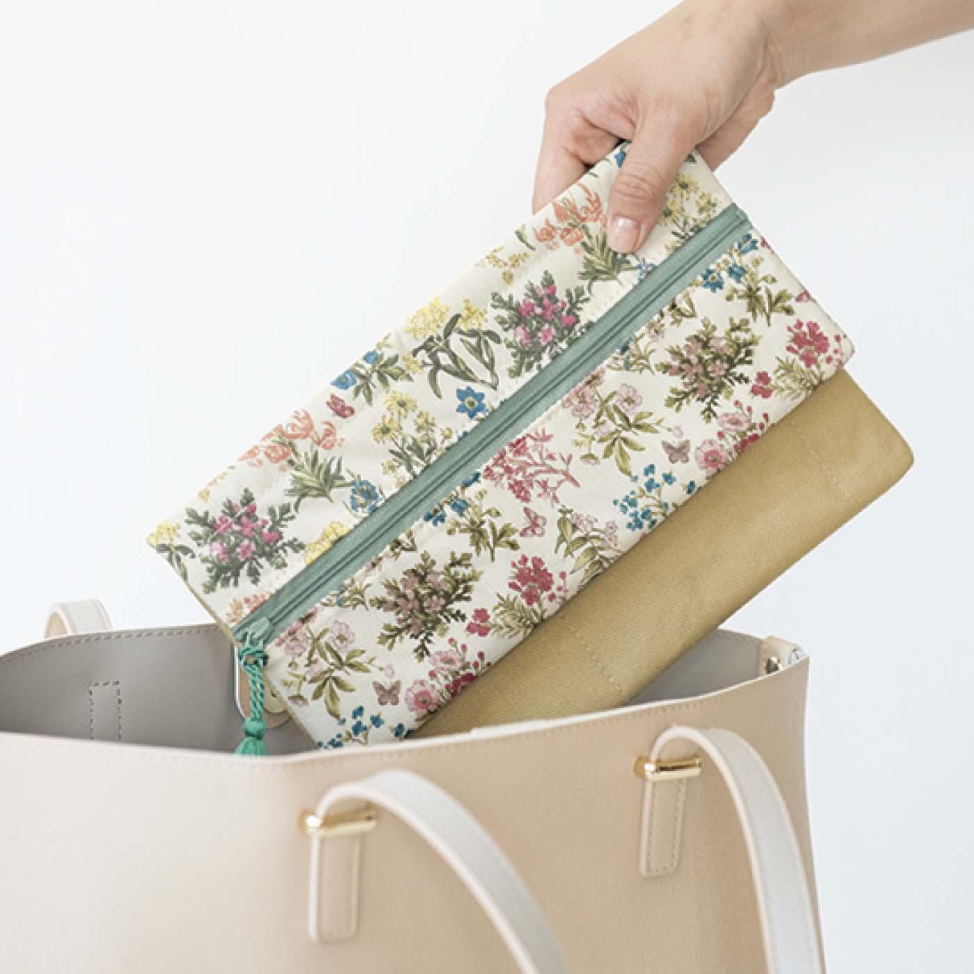 バッグの中がすっきり片づきます。