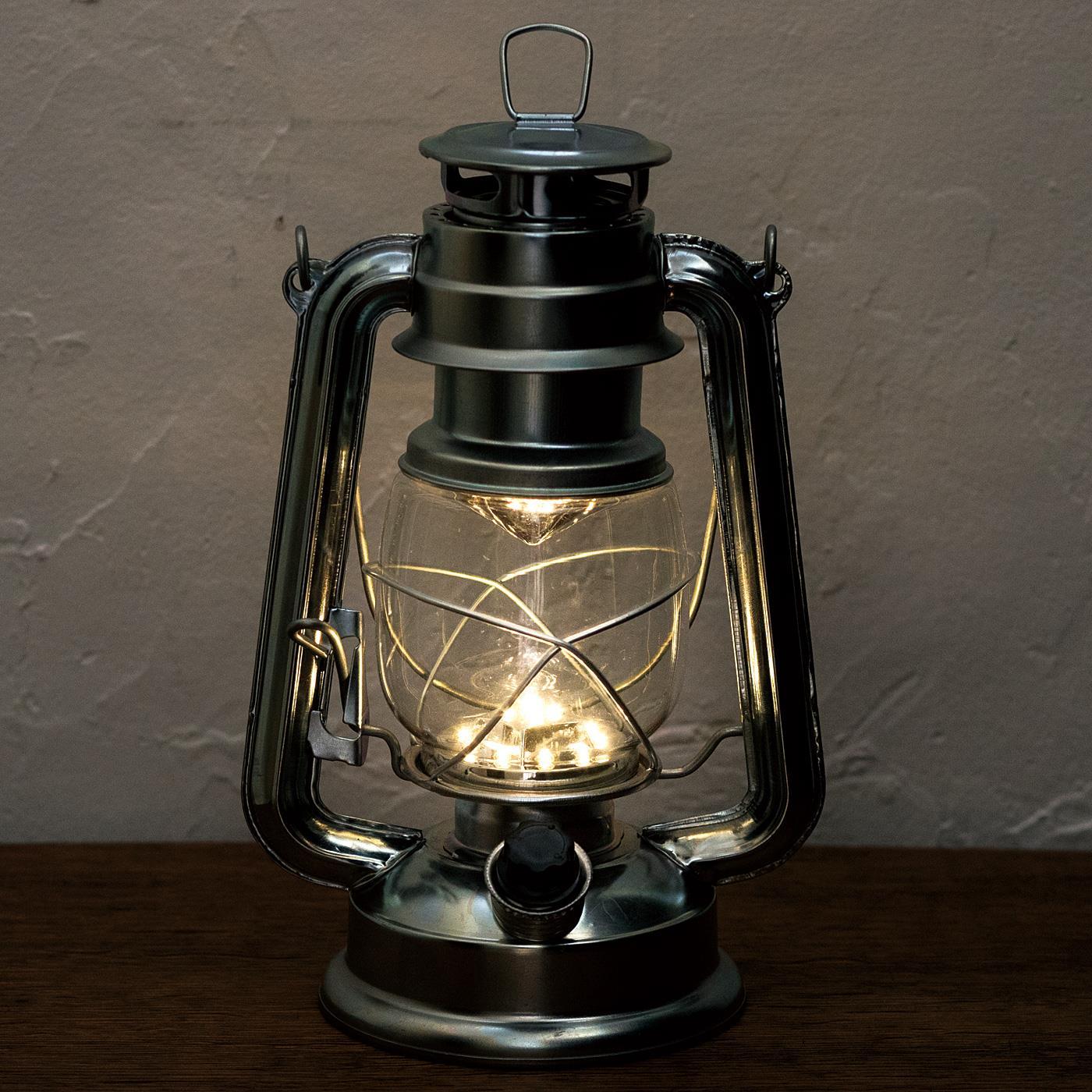15灯のLEDはダイヤルを回してお好みの明るさに無段階で調節できます。