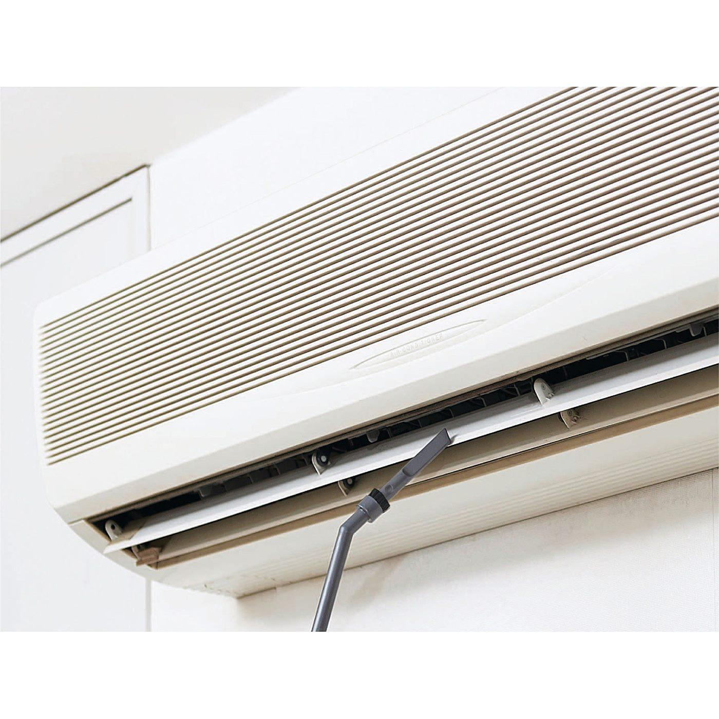 車内、本にたまったほこり、エアコン、窓のサッシの溝など、細いすき間や高い場所の掃除にぴったり。