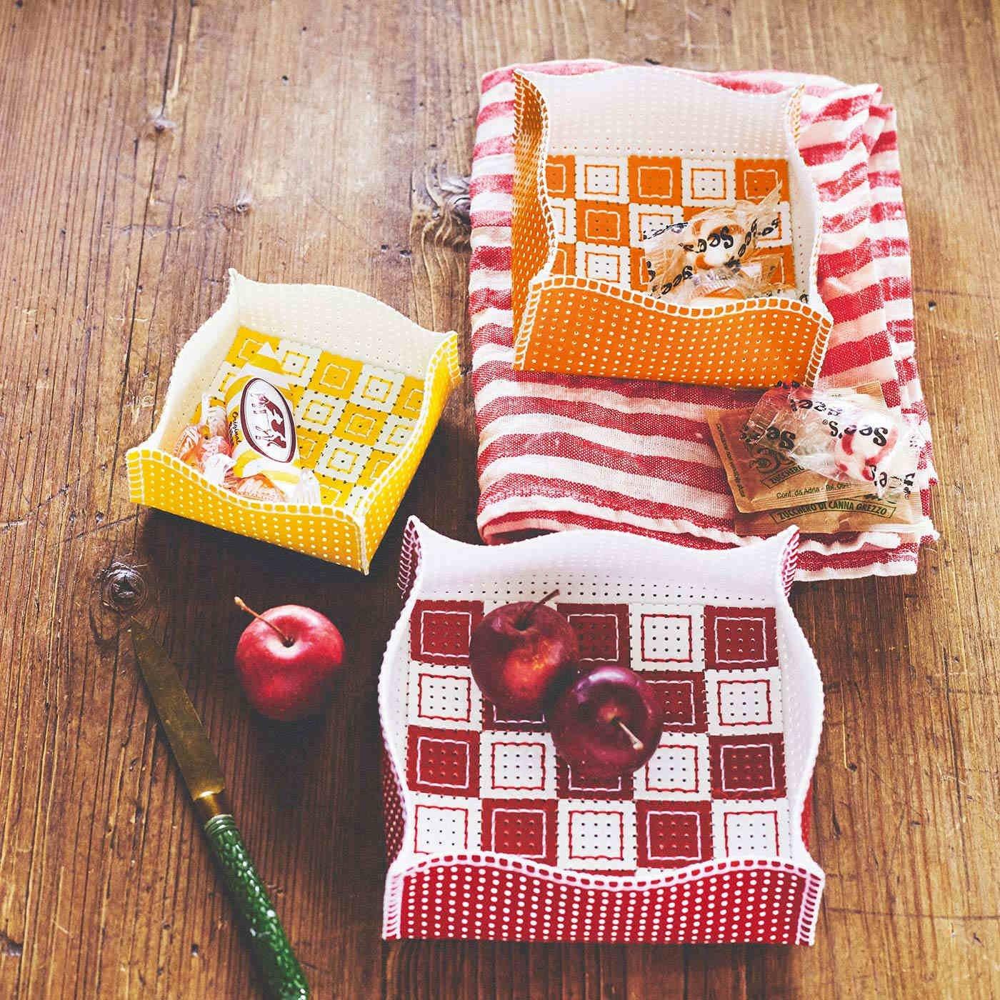 モニック・リヨネさんのパンチングエナメルで作るフレンチ雑貨