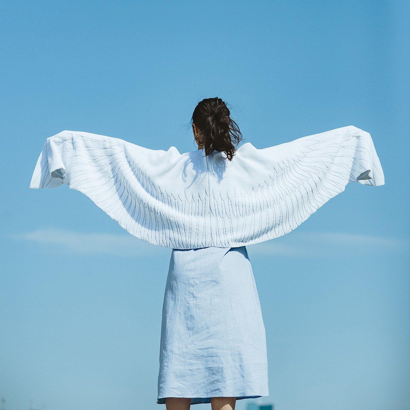 YOU+MORE! 大空に羽ばたけそうな天使の羽タオル