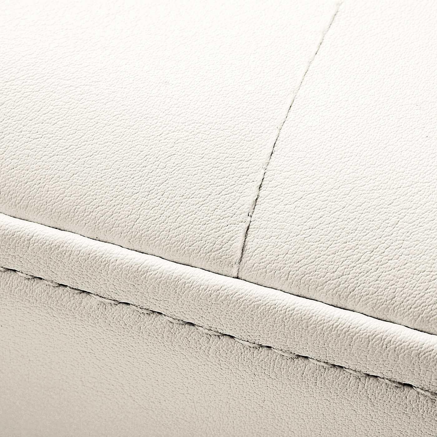 光沢と張りが特徴の、合成皮革。 ※写真は色違いのホワイト(CN-349-954)です。