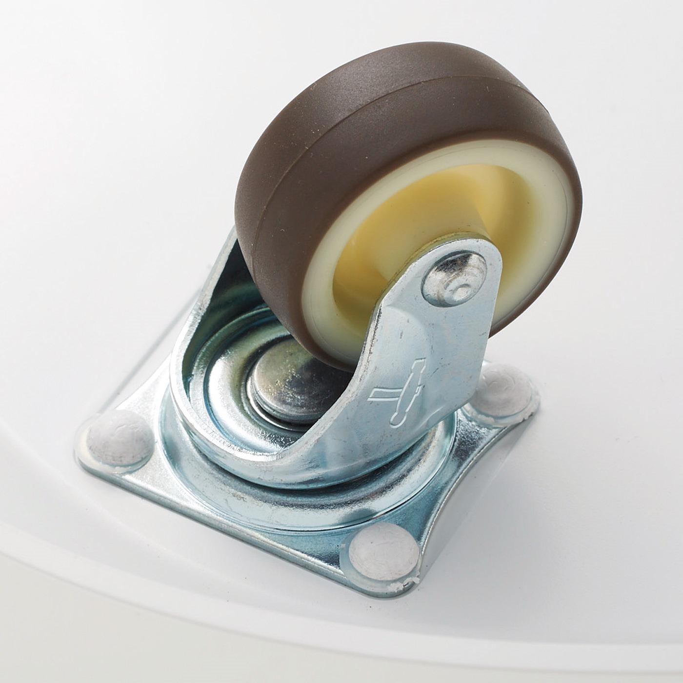 床面を傷つけにくく、音の静かな360°回転キャスター(4個)付き。