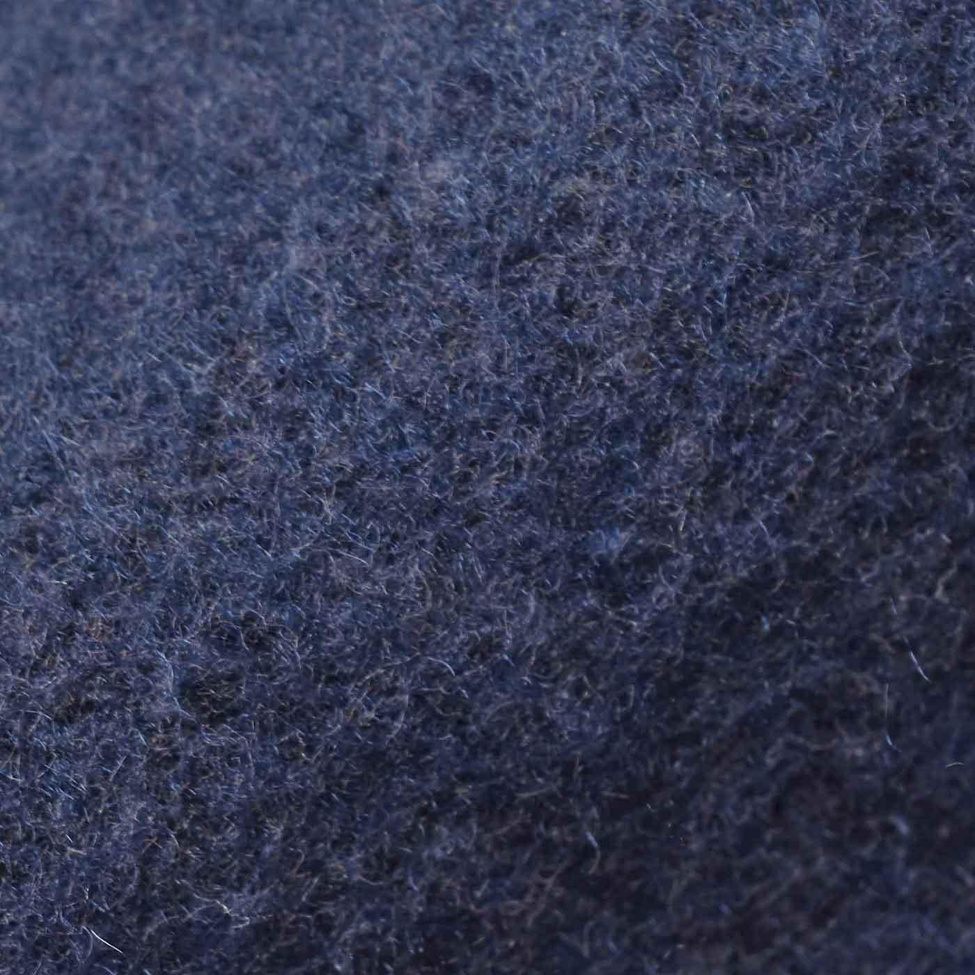 裏面は、肌当たりのよい綿混素材を起毛させています。