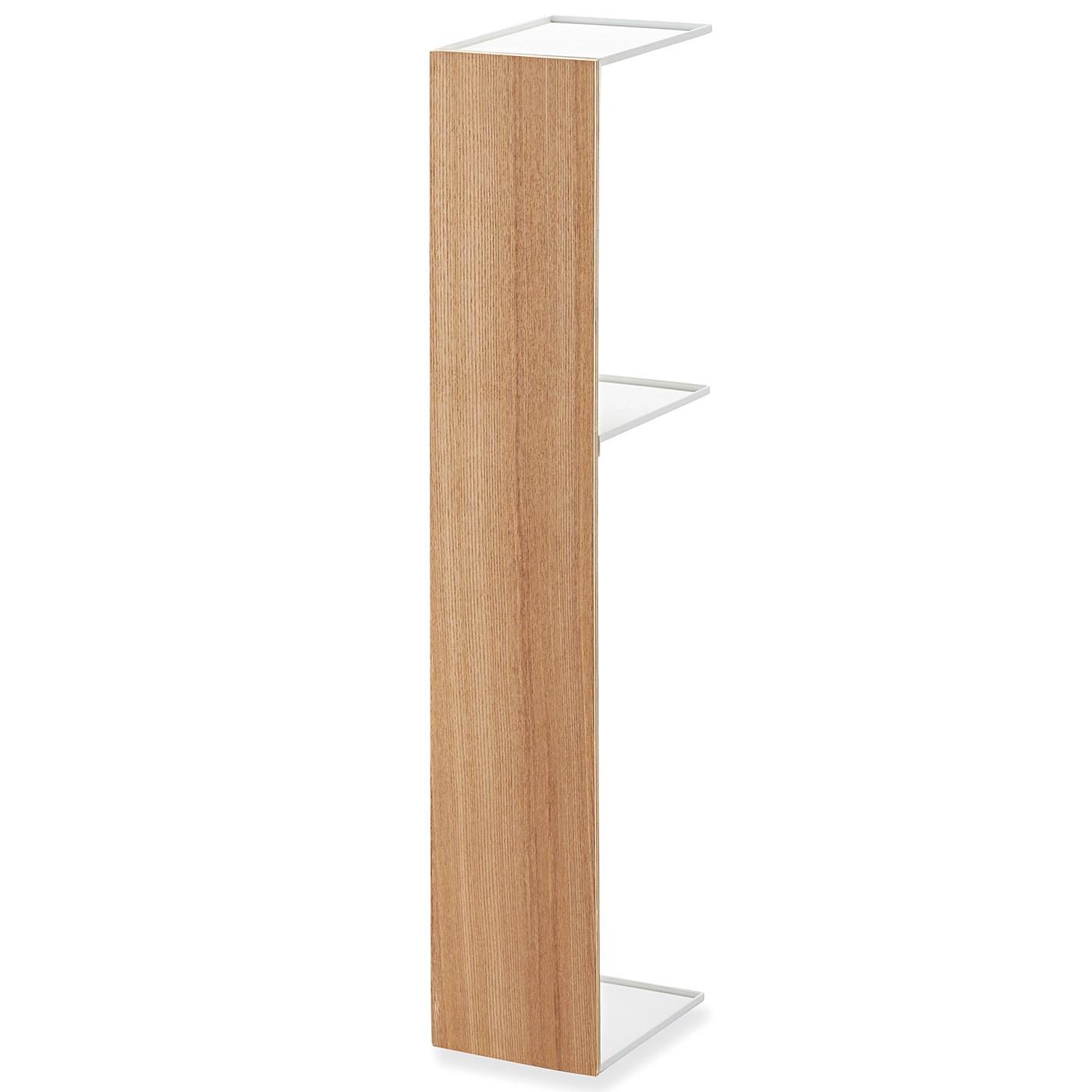 シンプルなデザインは、リビングやキッチンの目隠し収納にもぜひ。