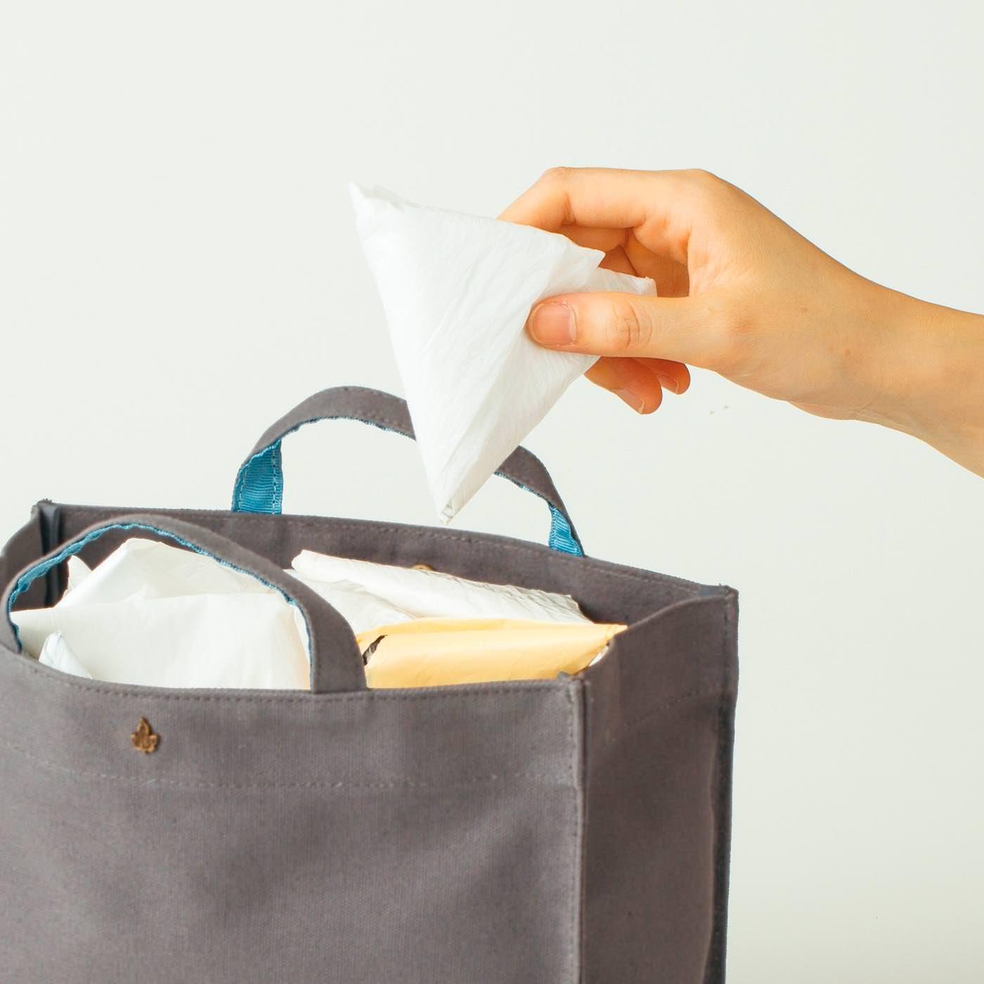 スーパーの袋をストックするのにも便利。
