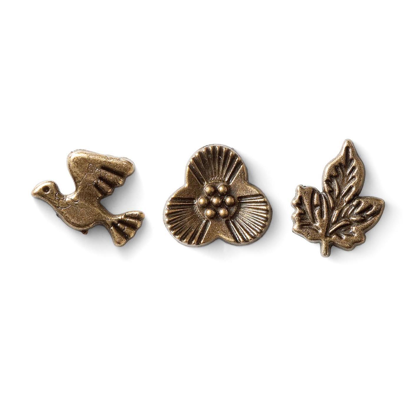 「鳥」「花」「葉」の3種類のチャームがアクセント。